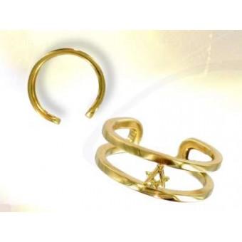 Secretive Gold masonic ring